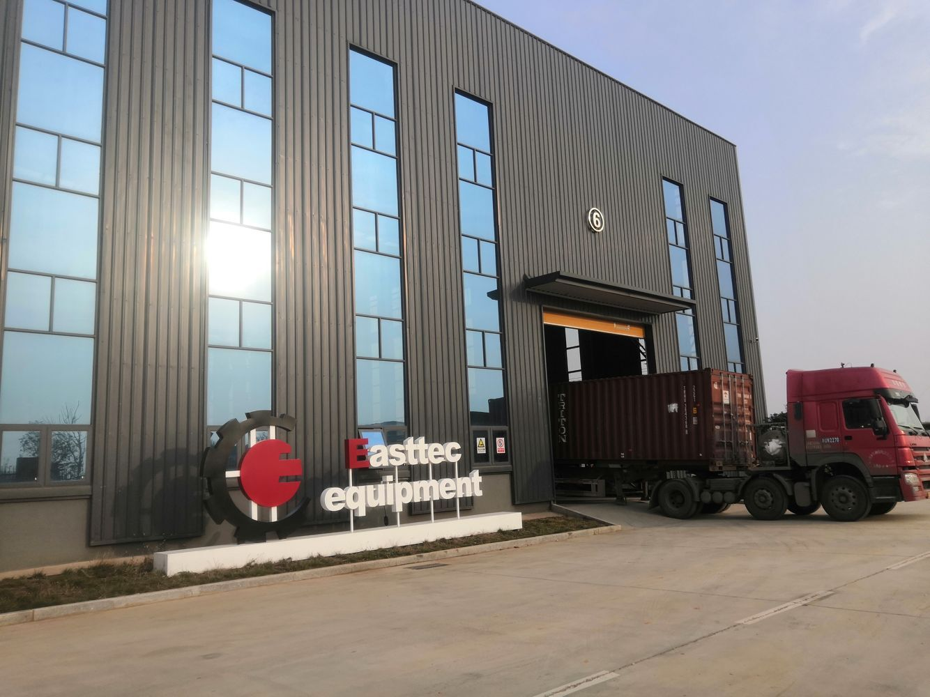 Easttec deliver furnace to Iraq